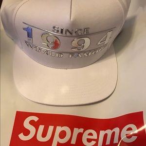 Supreme Rare SnapBack 1994 Hat
